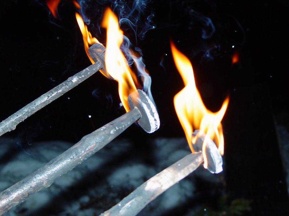 Schybefleuge in Matt - ein uralter Feuerbrauch