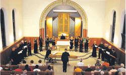 Unter der Leitung von Alexander Seidel harmonierten Vokalensemble, Cembalo und Orgel hervorragend. Bild Janine Jakob