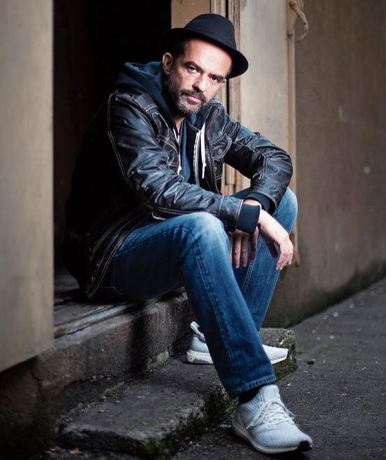 Patrick Tönz stammt aus Menzingen. Heute lebt und arbeitet er in Zürich. Gemeinsam mit Niklaus Hilber hat er das Drehbuch zum Manser-Film verfasst. (Bild Stefan Kaiser)