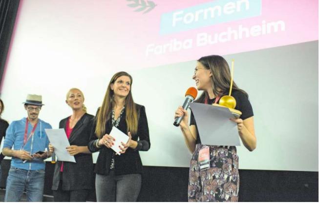 Die Filmemacherin Fariba Buchheim (rechts) konnte sich gleich doppelt freuen. (Bild Maria Schmid)