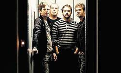 Öffnen die Tür zu ihrem neuen Album: Kusi Schilter (Bass), Elmar Stadelmann (Drums), Stefan Kaufmann (Gesang) und Roli Bürge (Gitarre).
