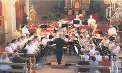 Brass Band Teil eins in der Kirche, mit teils rassigen, teils mystischen Stücken. Bild Martina Reichmuth