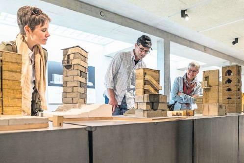 In der Ausstellung sind massstabsgetreue Turm-Miniaturen zu sehen. (Bild Patrick Hürlimann)