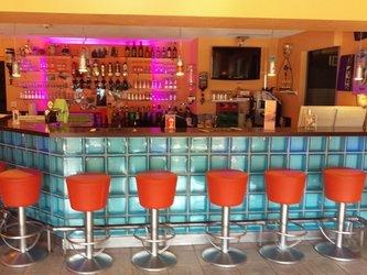 sportbar - restaurant - dorfbeiz adrenalin backpackers hostel - 1