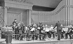 Beim Wettspiel vor gediegener Kulisse: Das Akkordeon Orchester March wurde für intensive Probenarbeit belohnt. Bild zvg