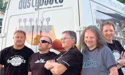 Musikalisches Potpourri: «Dusty Boots» spielten Sets aller Coversongs der neuen Acoustic-Scheibe, aber auch neue Kompositionen.