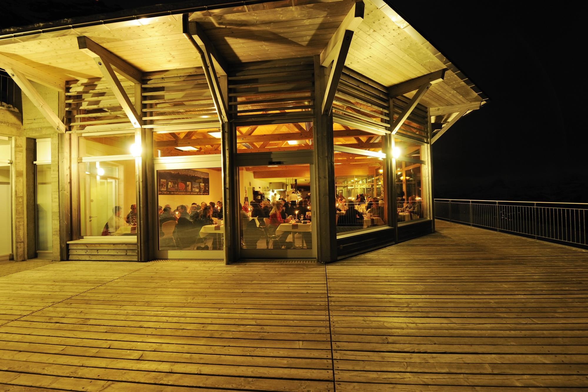Panoramarestaurant_Abend_Stockhorn (2)