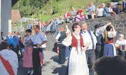Die Märchler Trachtelüt bereicherten die Wägitaler Tradition. Bilder Johanna Mächler