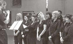 Der S-chola-Chor Buttikon unter der Leitung von Pastoralassistent Rolf Dittli. Bilder Paul Diethelm