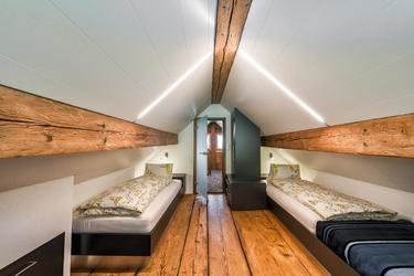Schlafzimmer für 3 Personen im oberen Stock