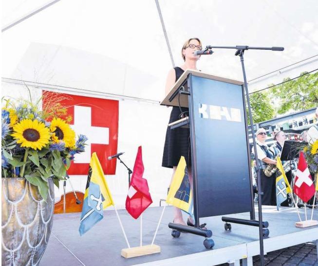 Die Festrede zum Bundesfeiertag in Baar hielt Gerda Schwindt, Personalleiterin der Glencore. (Bild Werner Schelbert)
