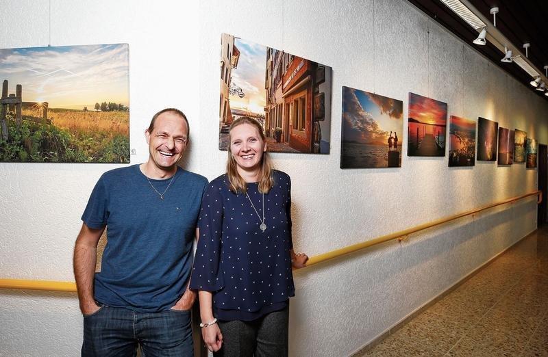 Dani Hegglin ist bei der Auswahl der Fotos für die Ausstellung von seiner Frau Daniela beraten worden. (Bild Stefan Kaiser)
