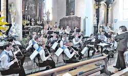 Startet hochstehend und besinnlich ins 101. Vereinsjahr: die Harmoniemusik Schübelbach-Buttikon. Bild Simon Mächler