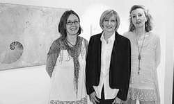 Doris Spalinger, Izabela Luternauer und Marlies Meienberg (v. l.) verbindet neben der Kunst auch Freundschaft. Bilder Yasmin Jöhl