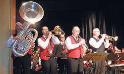 Im «Dixieland Concerto» traten verschiedene Solisten auf: (von links) Peter Vögelin, Bass, Silvan Reding, Posaune, Karl Reichlin, Klarinette, Andy Hanselmann, Trompete, und verdeckt Herbert Binder, Schlagzeug