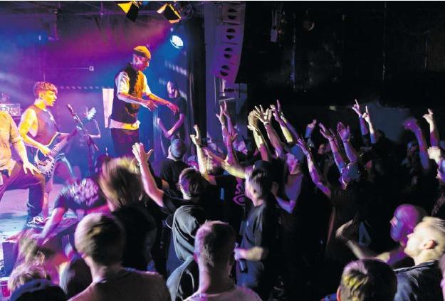 Am Abend des Konzerts feierte die Band auch ihr zehnjähriges Bestehen. (Bild Patrick Hürlimann)