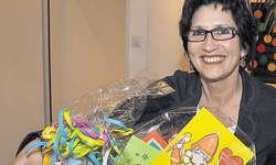 Überlebenskorb für das Fasnachtsoberhaupt: Silvia Exer-Züger freut sich auf ihr Amt als Zunftmutter. Bild Edith Meyer