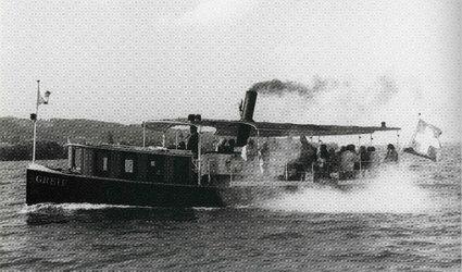 Dampfschiff Greif - Begleitet von Rauch und Dampf
