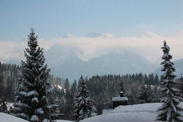 Herrliche Aussicht über die verschneite Landschaft