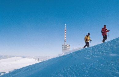 Snowshoeing on Chasseral (Jura bernois Tourisme)