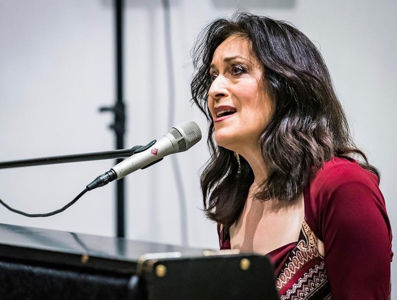 War bei ihrem Auftritt in der City-Kirche voll in ihrem Element: Christina Jaccard. Bild Christian H. Hildebrand