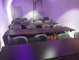 Eventraum mit Seminarbestuhlung