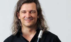 Eine gelungene Überraschung war der Auftritt von Dani Häusler. Bild huigroup.com