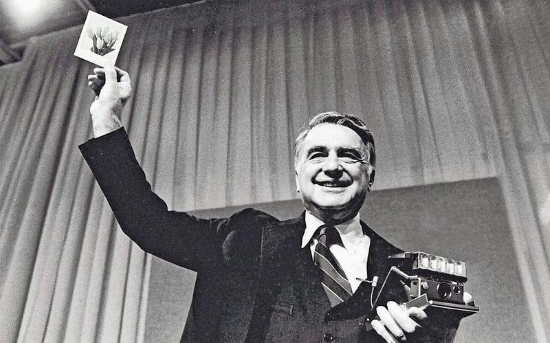 Videostill aus «Subito». Kurz nach dem Zweiten Weltkrieg wurde die Sofortbildkamera erfunden. (Bild PD)