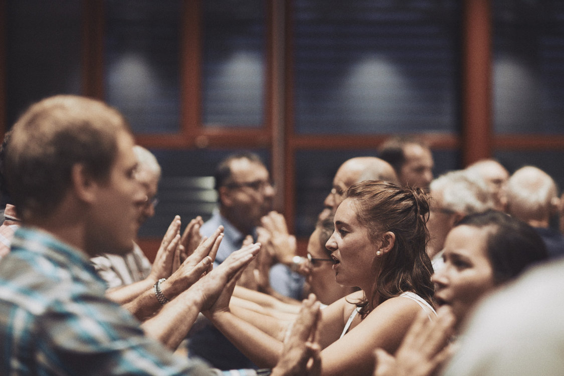 Beim Jodlerclub Heimelig achtet man gut auf seine Mitsängerinnen und -sänger. Bild: Philippe Hubler