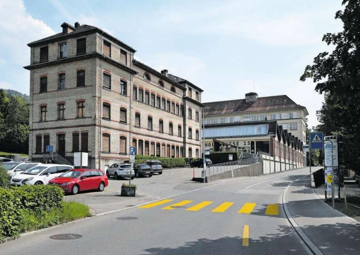 Der ganze Komplex an der Hofstrasse soll saniert oder neu gebaut werden. (Bild Stefan Kaiser)