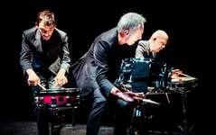 Schlagzeug und Pingdugonggong mit Fritz Hauser, Rob Kloet und Peter Conradin Zumthor