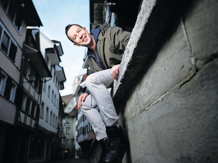 Dimitris Margetas fühlt sich in der Stadt Zug wohl. (Bild Stefan Kaiser)