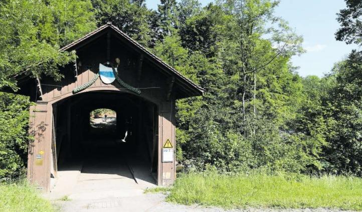 Die Babenwagbrücke stand einst in Sihlbrugg. Über sie führte ein wichtiger Verbindungsweg nach Zürich. Als Motiv für die Stadtgründung von Zug galt lange Zeit die verkehrsgünstige Lage zwischen Norden und Süden. (Bild Stefan Kaiser)