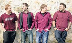 Denis Deschenaux, Marco Costa, Mario Märchy und Ricardo Campos wollen vier Gratis-Downloads präsentieren, bis ihre CD herauskommt.