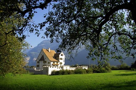 Schloss A Pro: Bilderausstellung von Mäni Zurfluh, Andermatt