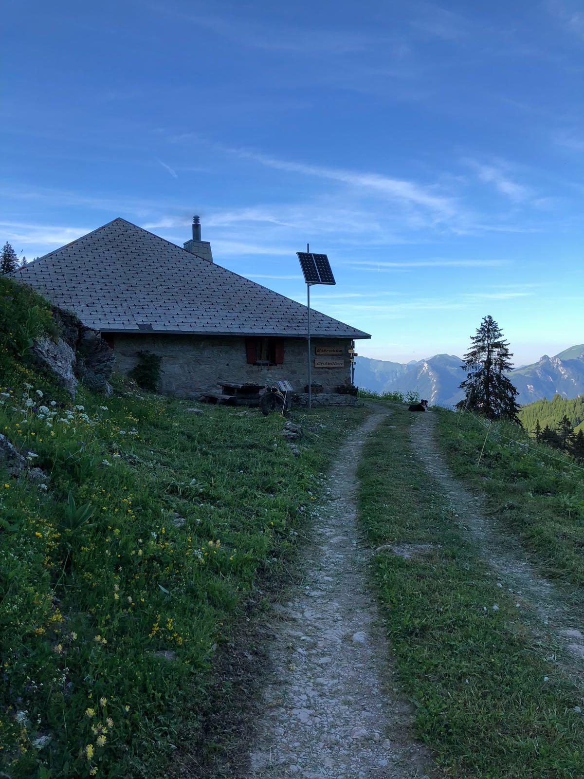 Randonnée accompagnée 'Sentier des alpages' @  |  |