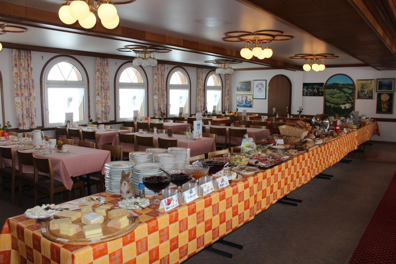 Grosses Frühstücksbuffet in unserem Panoramasaal