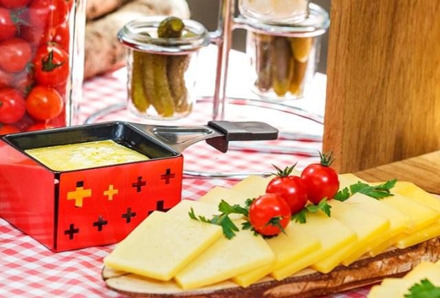 Fondue- und Raclette-Schiff