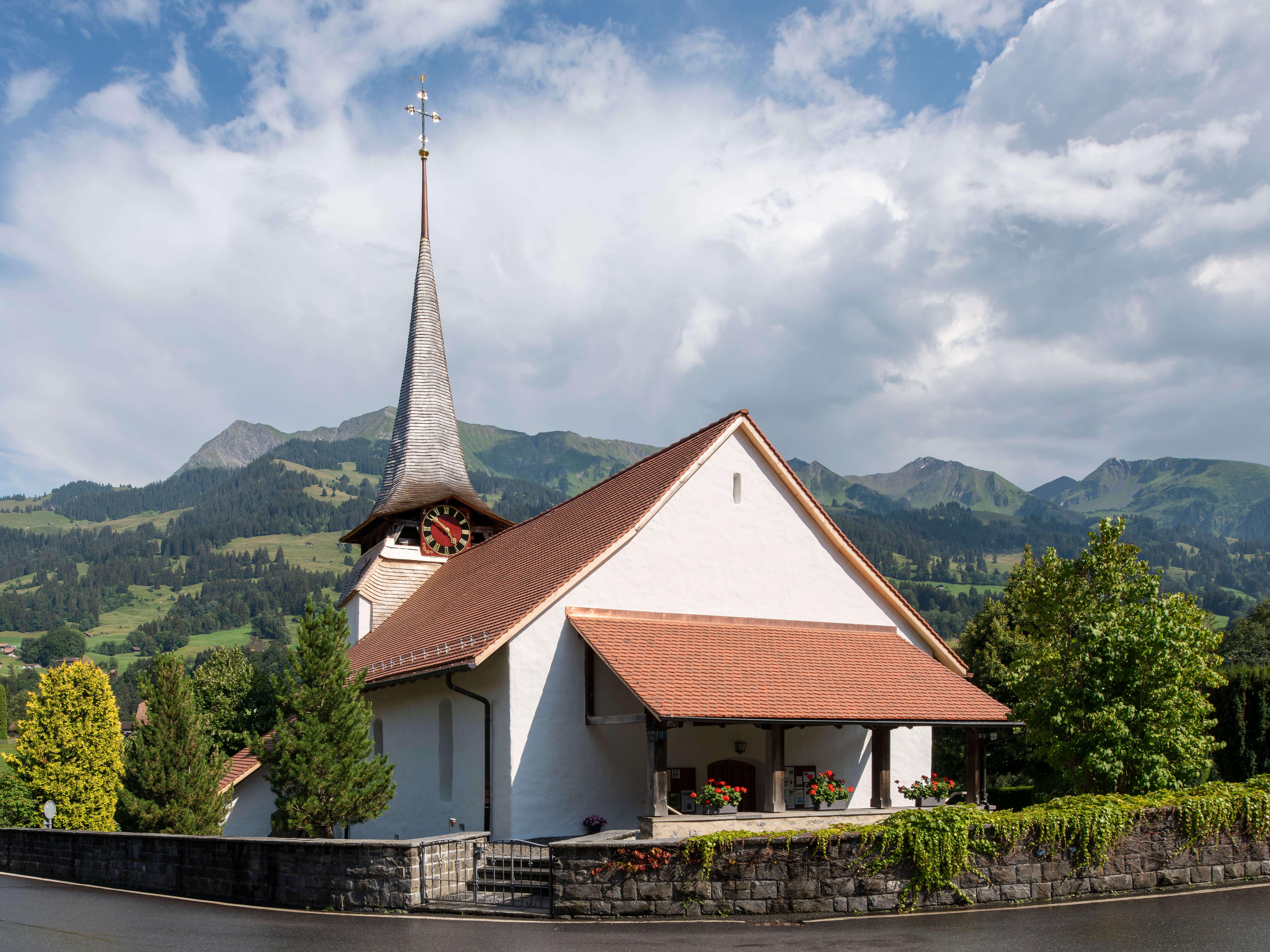 Kirche Diemtigen Sommer
