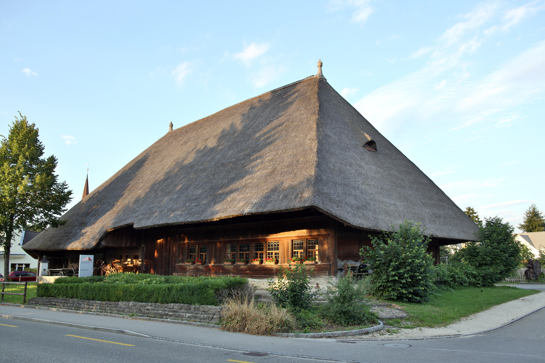 Über den Engelberg zum Aargauer Strohdachhaus