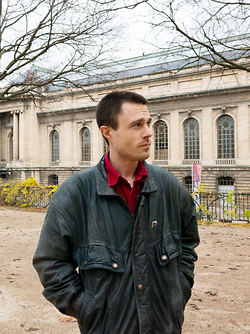 Der Glarner Künstler Tomas Baumgartner erhält ein Atelierstipendium in Berlin.