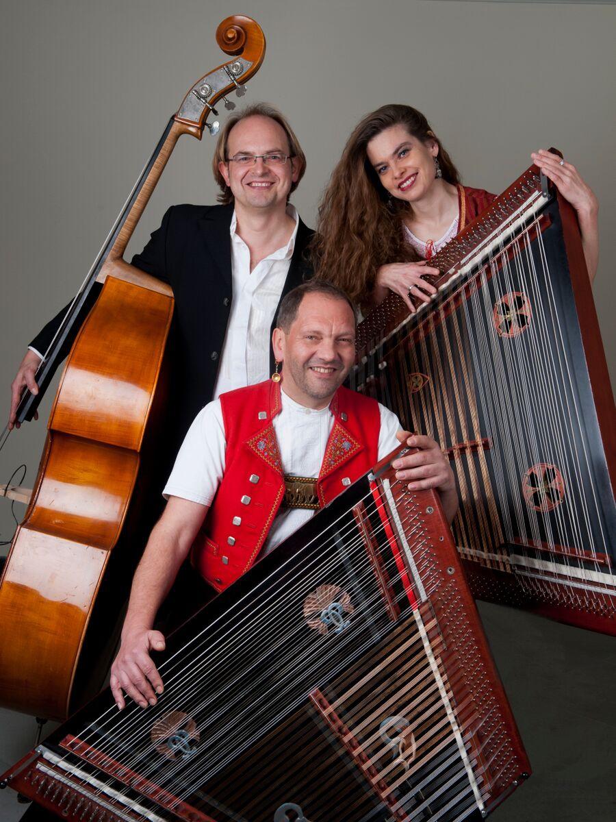 Trio Anderscht: Schlagfertig & more
