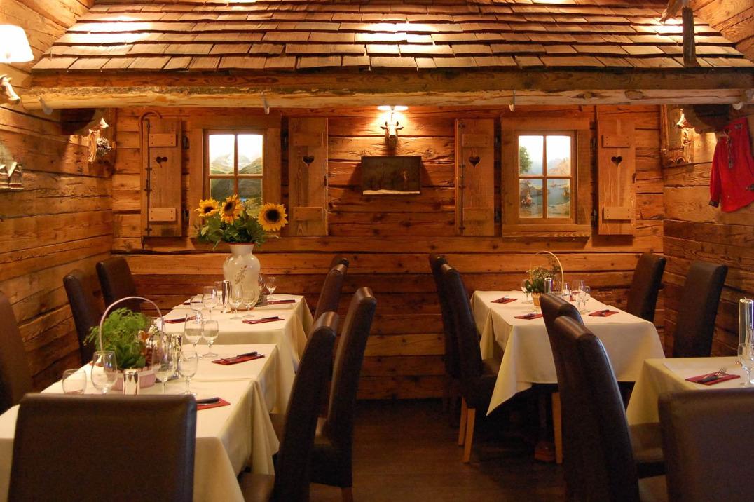 Chalet suisse restaurant kleinbettingen football sports betting rules over under
